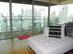 Modern 3 bedroom condo for rent at The Madison - Condominium - Phrom Phong - Phrom Phong