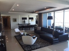 4 bedroom condo for sale at Watermark  Condominium Riverside