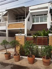 3 bedroom Townhouse for rent at Phra Kanong - Phra Khanong