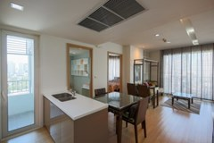 2 bedroom condo for rent at Siri @ Sukhumvit