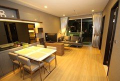Weltz Residences Condo for rent on the 38th floor of Skywalk, Phra Khanong - Condominium - Phra Khanong Nuea - Phra Khanong