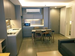 1 bedroom condo for rent at Mode Sukhumvit 61 - Condominium - Khlong Tan Nuea - Ekkamai