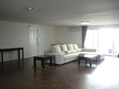 3 bedroom condo for sale and rent at Regent On The Park 2